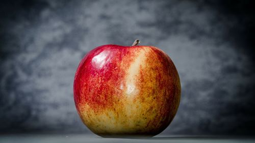 暗いリンゴ